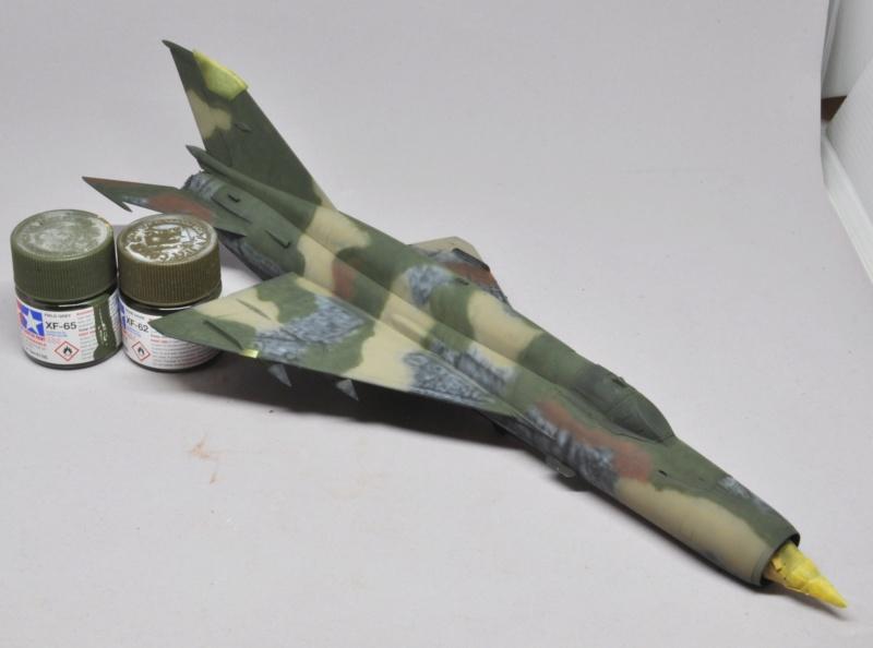 Mikoyan-Gourevitch MiG-21 MT/SMT - Eduard -1/48 (Concours Fighter) Dsc_1477
