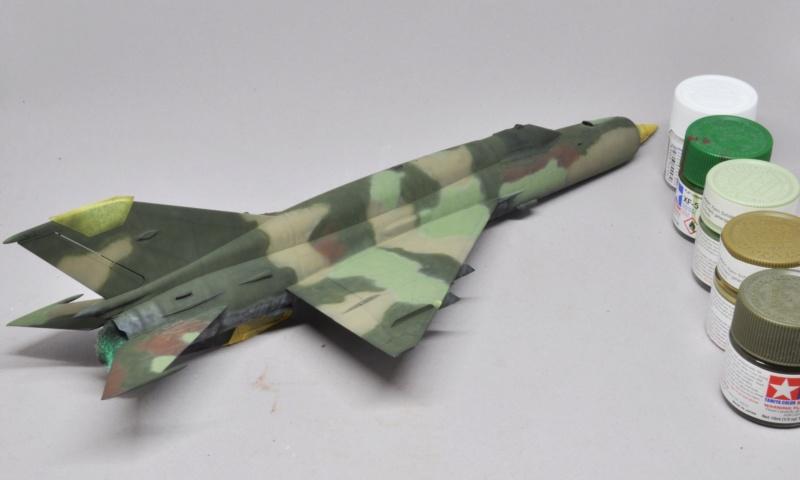 Mikoyan-Gourevitch MiG-21 MT/SMT - Eduard -1/48 (Concours Fighter) Dsc_1478