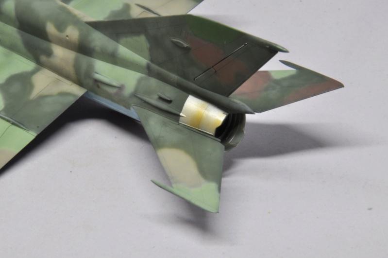 Mikoyan-Gourevitch MiG-21 MT/SMT - Eduard -1/48 (Concours Fighter) Dsc_1484