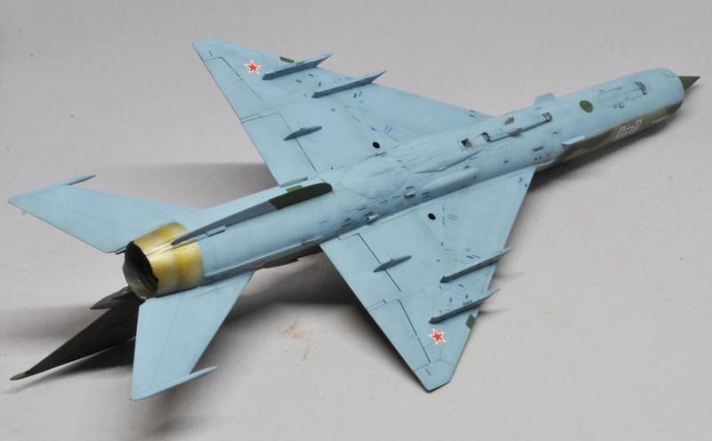 Mikoyan-Gourevitch MiG-21 MT/SMT - Eduard -1/48 (Concours Fighter) Dsc_1486