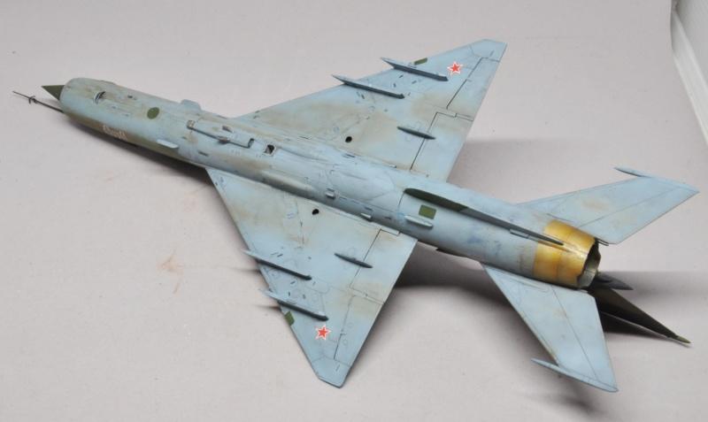 Mikoyan-Gourevitch MiG-21 MT/SMT - Eduard -1/48 (Concours Fighter) Dsc_1490