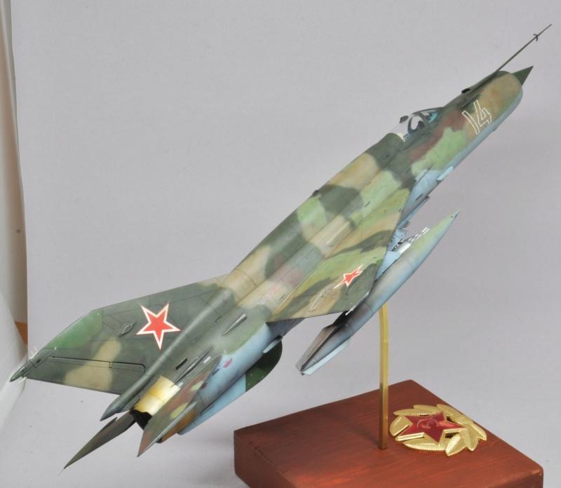 Mikoyan-Gourevitch MiG-21 MT/SMT - Eduard -1/48  Dsc_1498