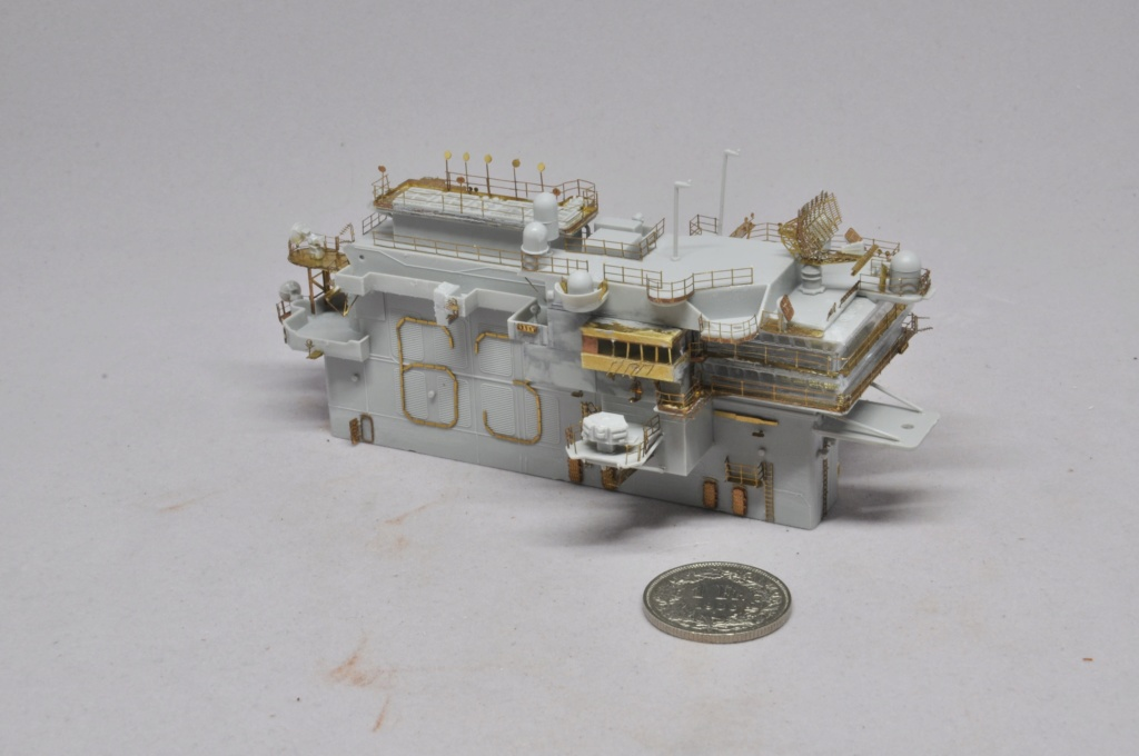 Supercarrier USS Kitty Hawk (CV-63) - Trumpeter - 1/350 - Page 2 Dsc_1520