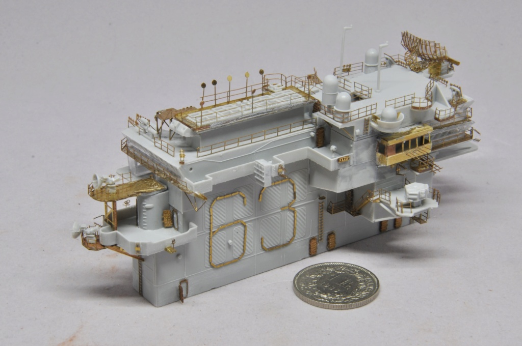 Supercarrier USS Kitty Hawk (CV-63) - Trumpeter - 1/350 - Page 2 Dsc_1521