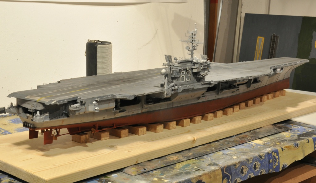 Supercarrier USS Kitty Hawk (CV-63) - Trumpeter - 1/350 - Page 4 Dsc_1887