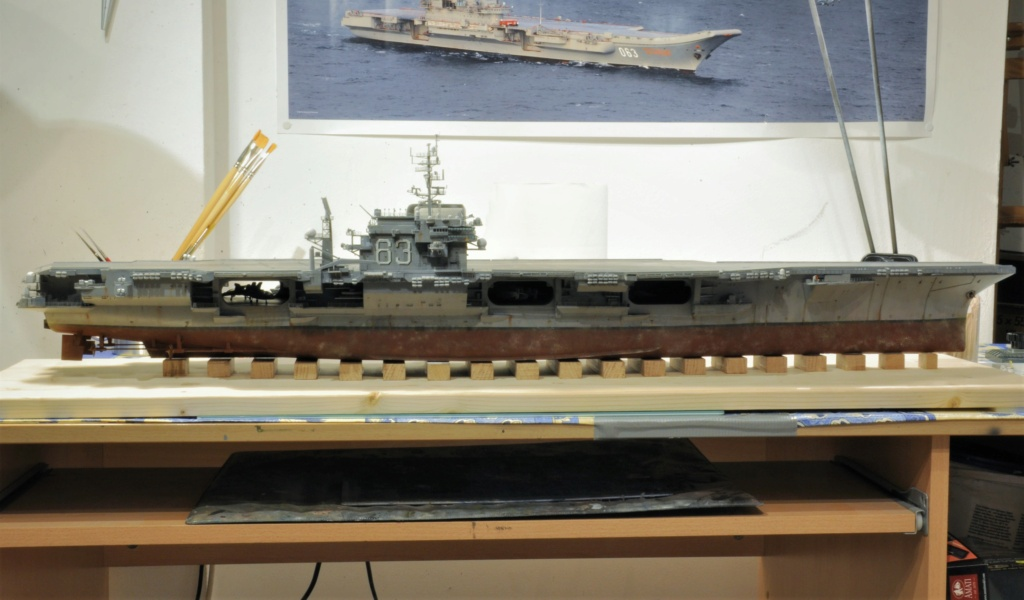 Supercarrier USS Kitty Hawk (CV-63) - Trumpeter - 1/350 - Page 6 Dsc_2082