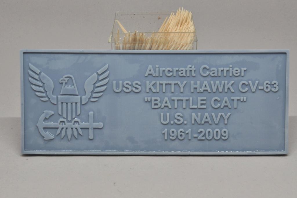 Supercarrier USS Kitty Hawk CV-63 (Trumpeter 1/350°) - Page 7 Dsc_2183