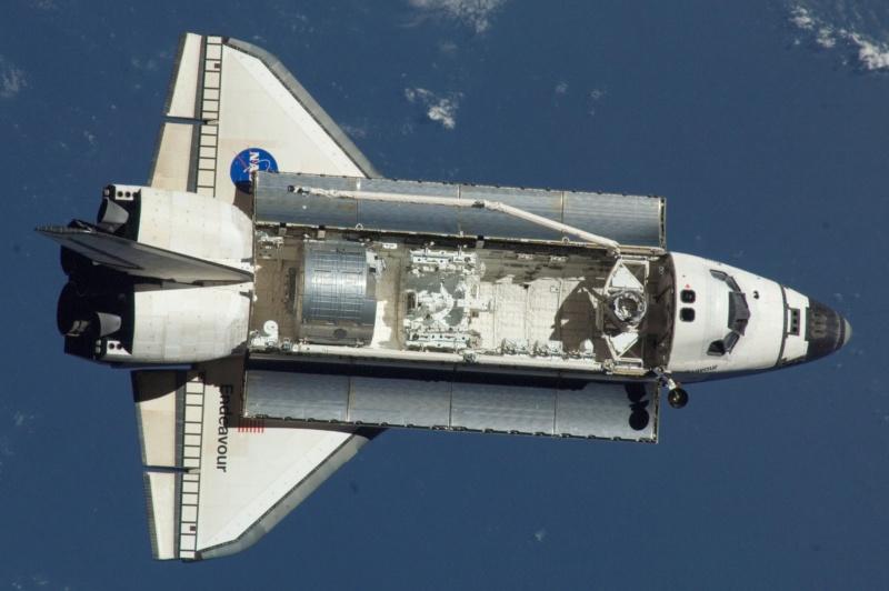 Navette spatiale Endeavour / Télescope Hubble - Hasegawa - 1/200 Sts-1210