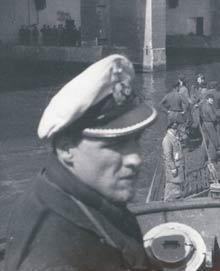Diorama du U-588 en cale sèche au 1/72 Vogel_11