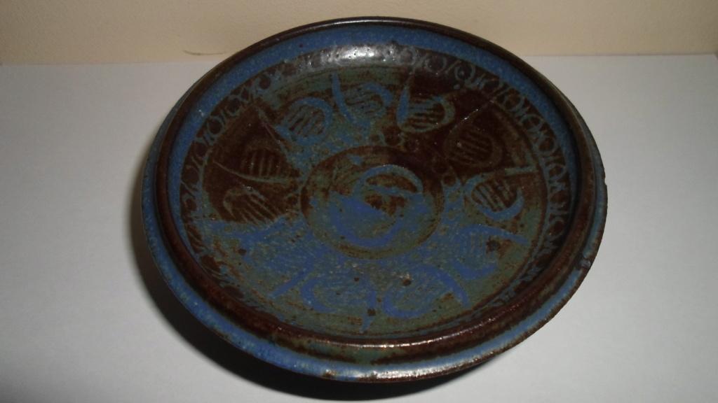 Please Help ID Small Studio Pottery Dish 00116