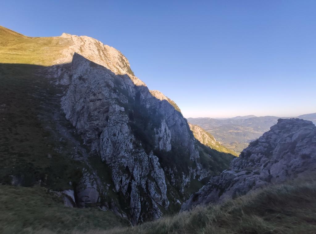 Topic:Deportes de Montaña..Escalada, Senderismo,Barranquismo....... - Página 11 Img_2042