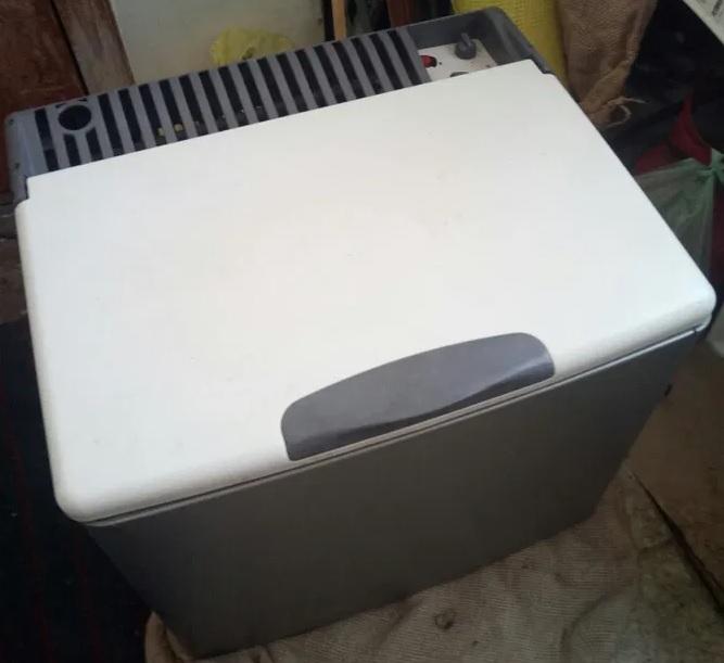 Холодильник на газу 00110