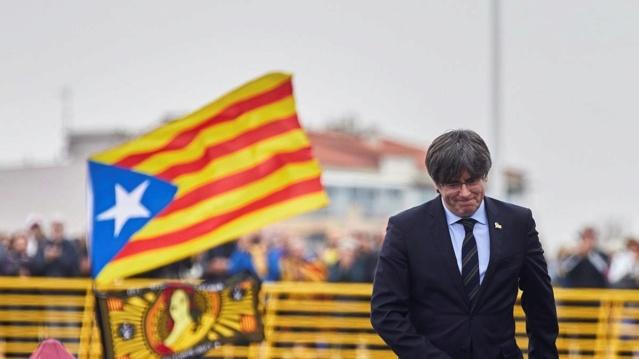 [RESISTÈNCIA] CEO | PUIGDEMONT SALE REFORZADO DE LA CAMPAÑA DE DIFAMACIÓN DEL ''WATERGATE CATALÁN'' Expres10
