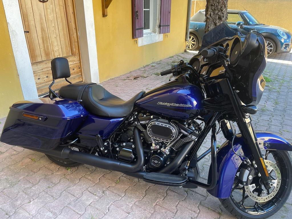 combien de STREET GLIDE  sur le forum Passion-Harley - Page 18 F0afb010