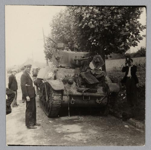 Char  M3A3 FLEURUS n°420409 du 501 RCC en 1944 1944-c10