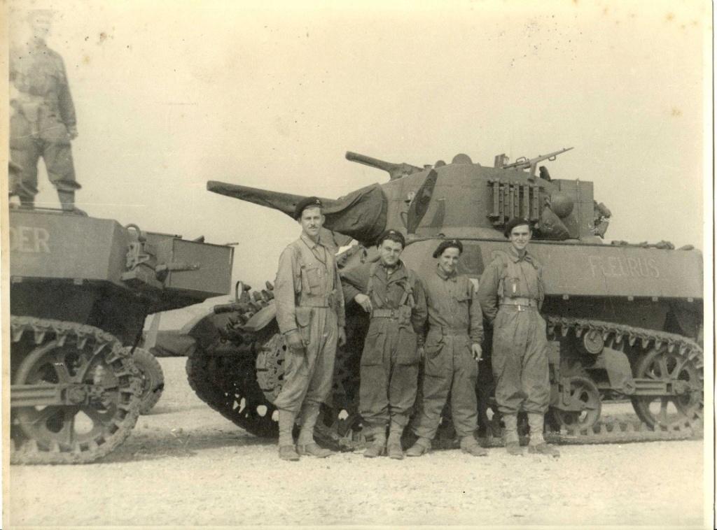 revue arme militaria special liberation Paris 194411