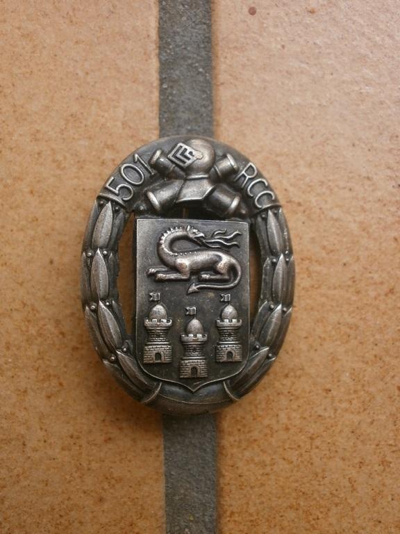 insigne  501 RCC et barrette WW2 Insign28