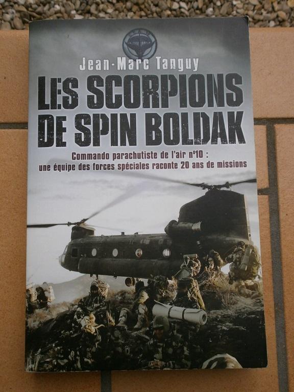Rentrée Mermoz Petain et Afghanistan CPA10 Livre584