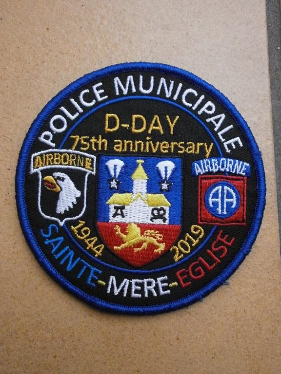 rentré RAID patch D-Day et derringer  Lot_0212