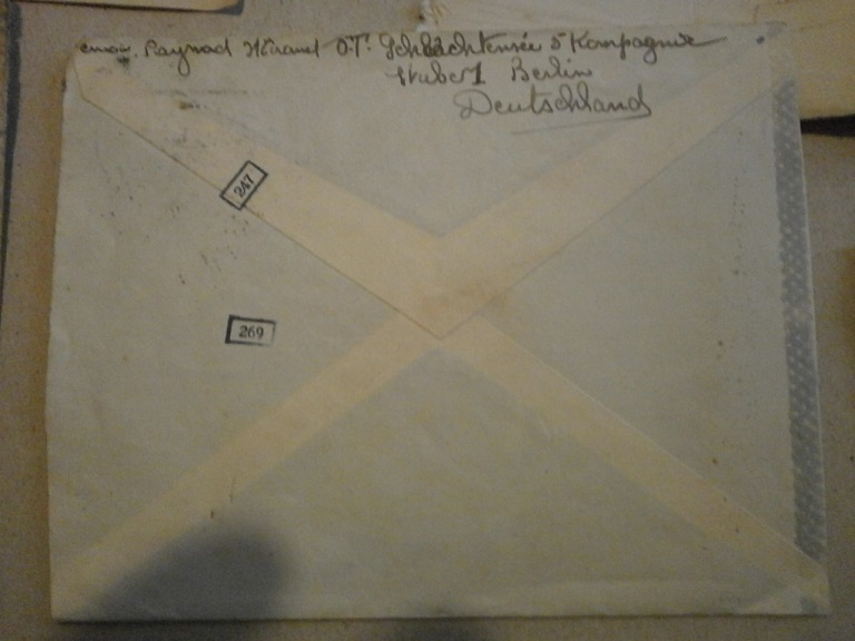 Lot papiers STO Allemagne et rationnement après guerre même personne Lot_ma13