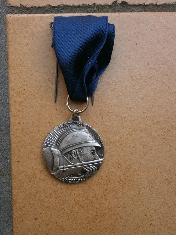 Médaille armistice Verdun 1918-1968 département  Yonne Medai201