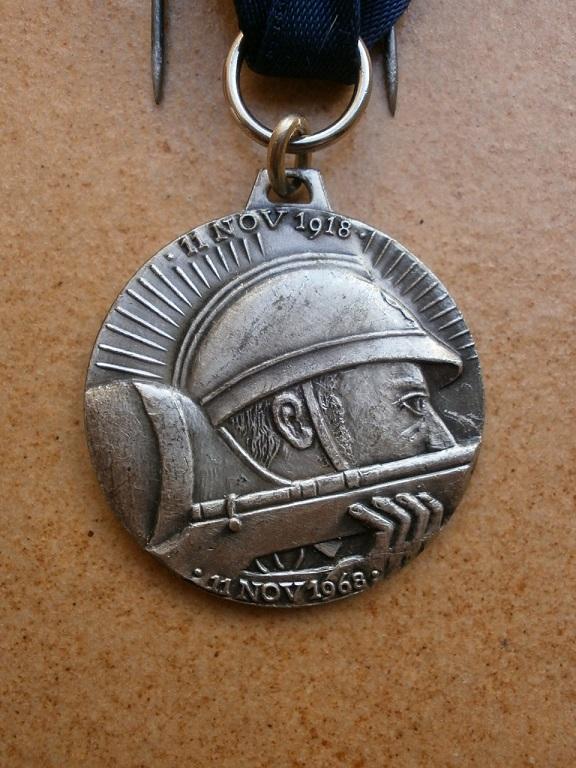 Médaille armistice Verdun 1918-1968 département  Yonne Medai202