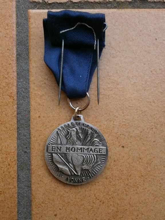 Médaille armistice Verdun 1918-1968 département  Yonne Medai204