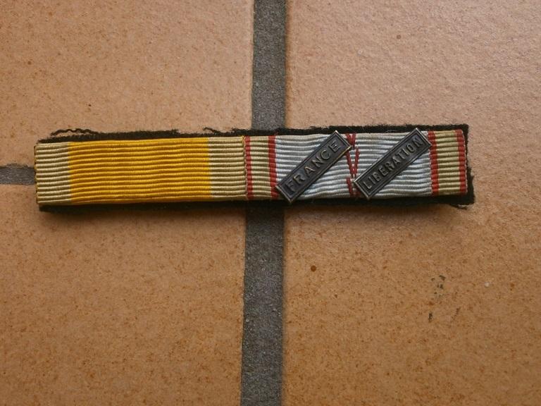 insigne  501 RCC et barrette WW2 Medail28