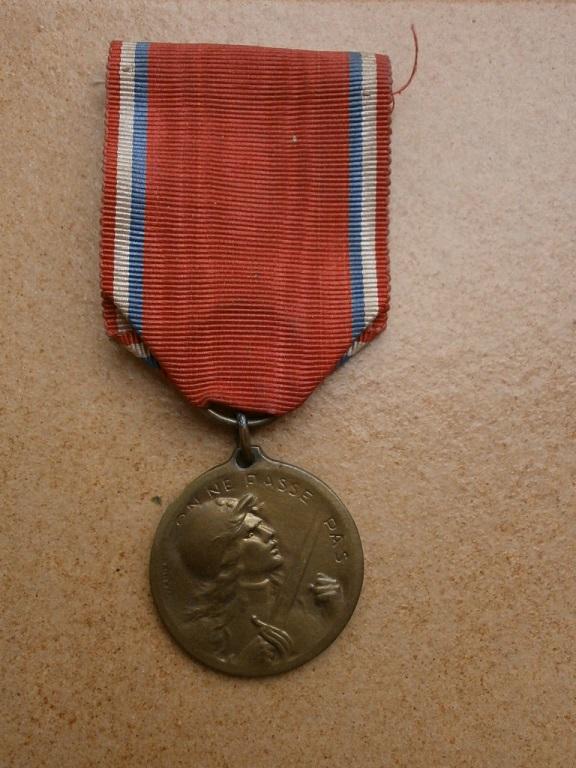 Medaille de verdun Medail30