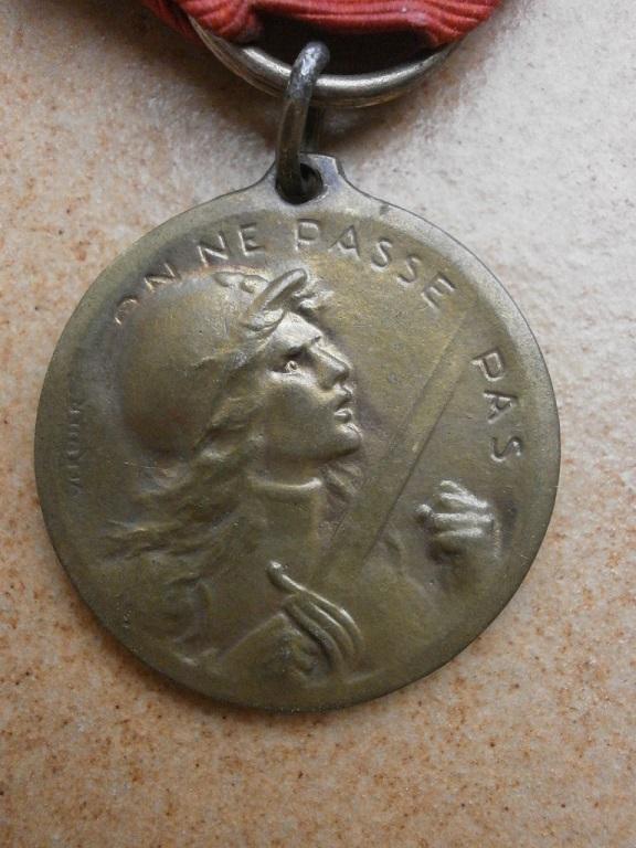Medaille de verdun Medail32