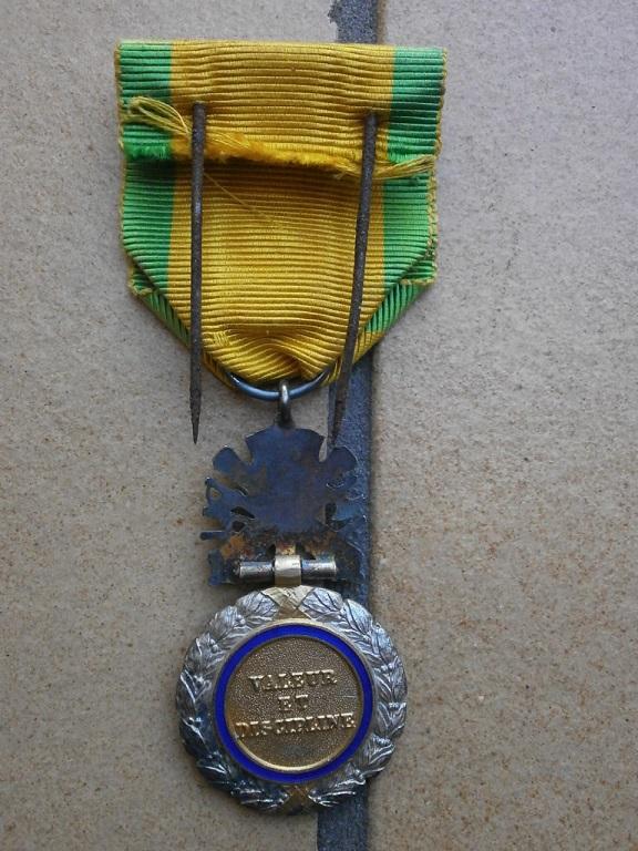 Rentrée medaille militaire et dague Medail39