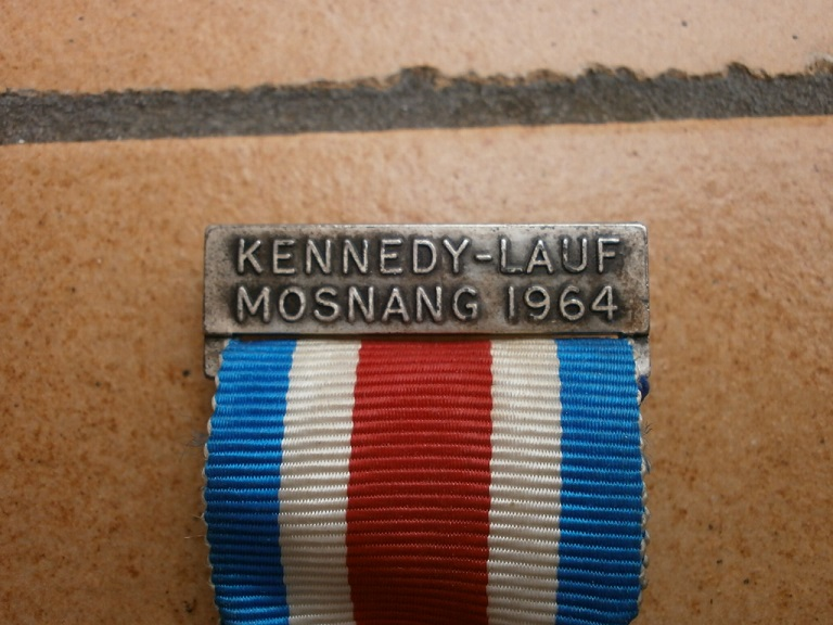 Medaille kennedy-lauf mosnang 1964 Medail81
