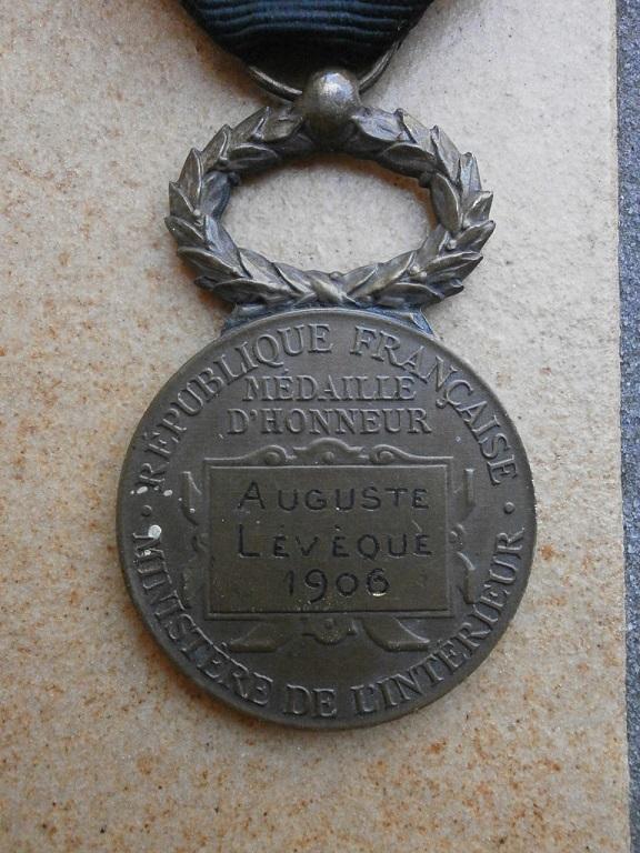 rentrée médailles WW1 Medail87
