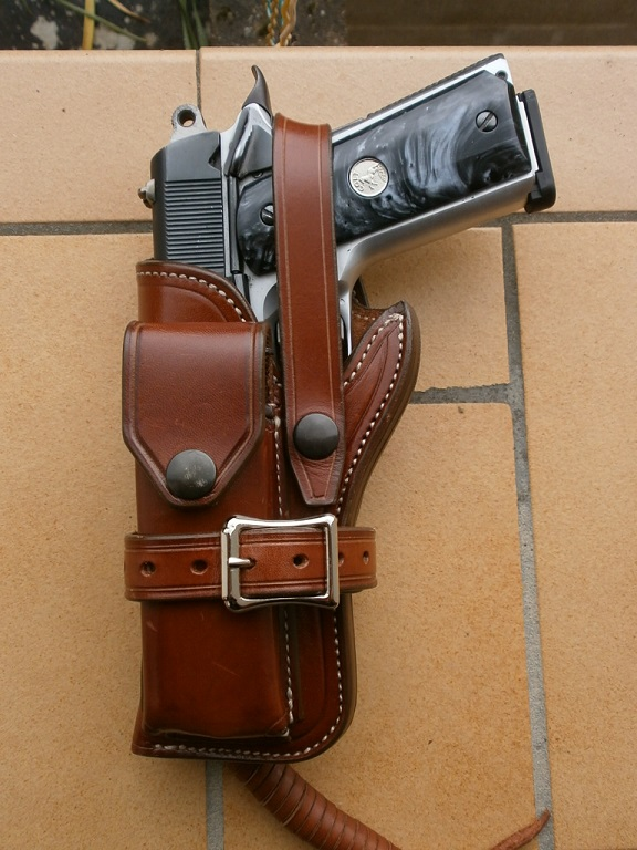 "The WILD BUNCH HOLSTER"" by SLYE P5130012"