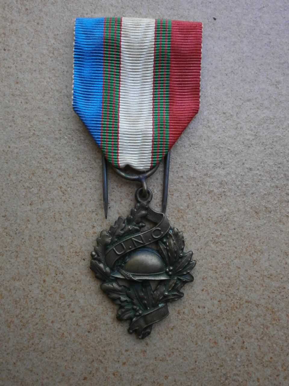 Rentrée aviation ,medaille, insigne , d-day P6020010