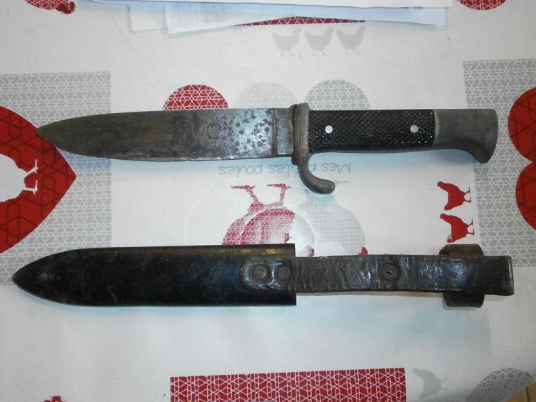 Couteau allemand HJ chez une amie Z-cout11