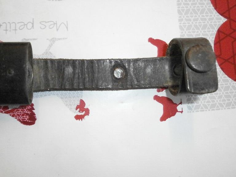 Couteau allemand HJ chez une amie Z-cout14