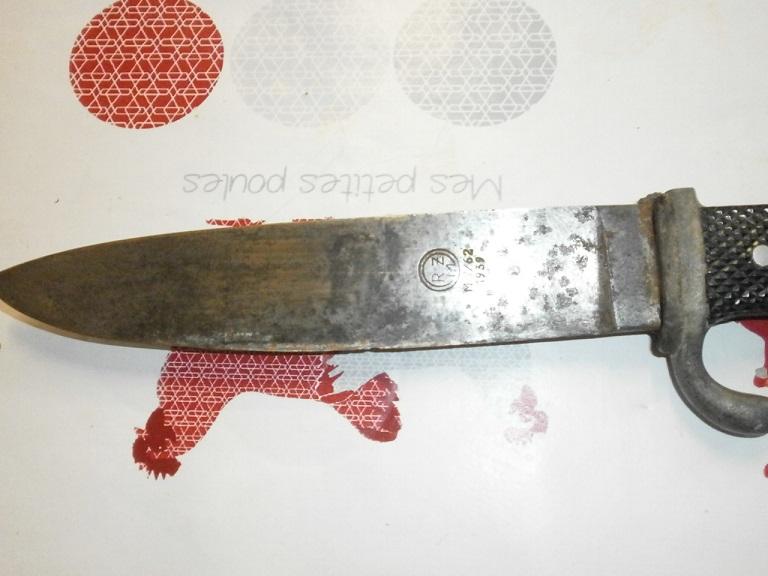 Couteau allemand HJ chez une amie Z-cout20