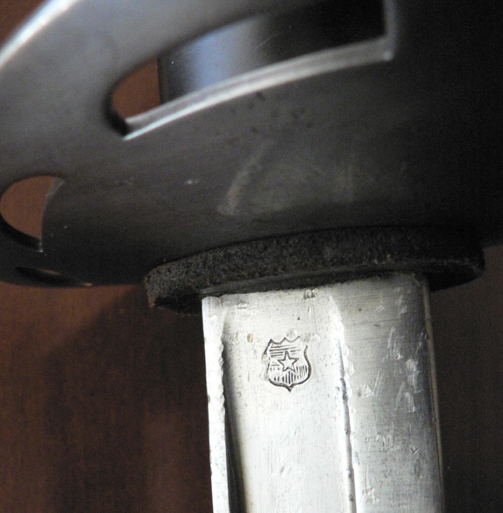 Trois sabres intéressants P1230216