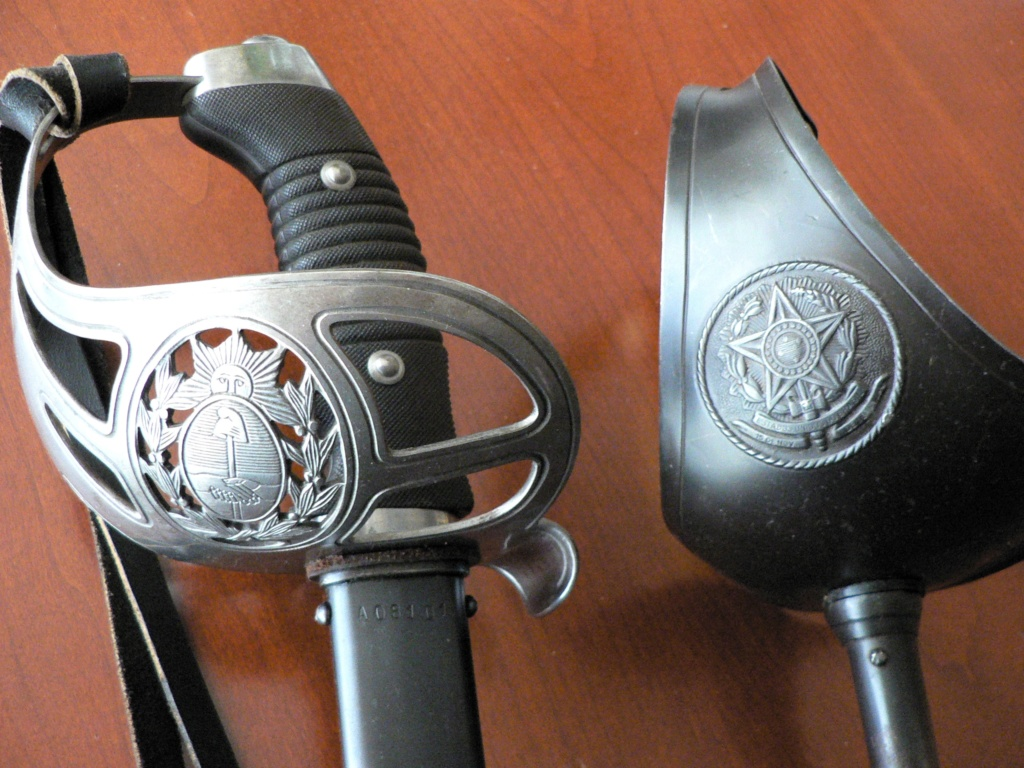 Trois sabres intéressants P1230217