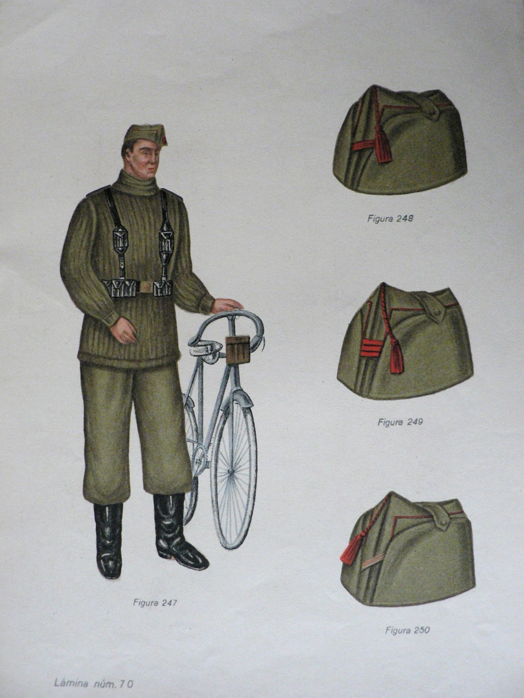 bonnet de police espagnol ou belge  P1240119