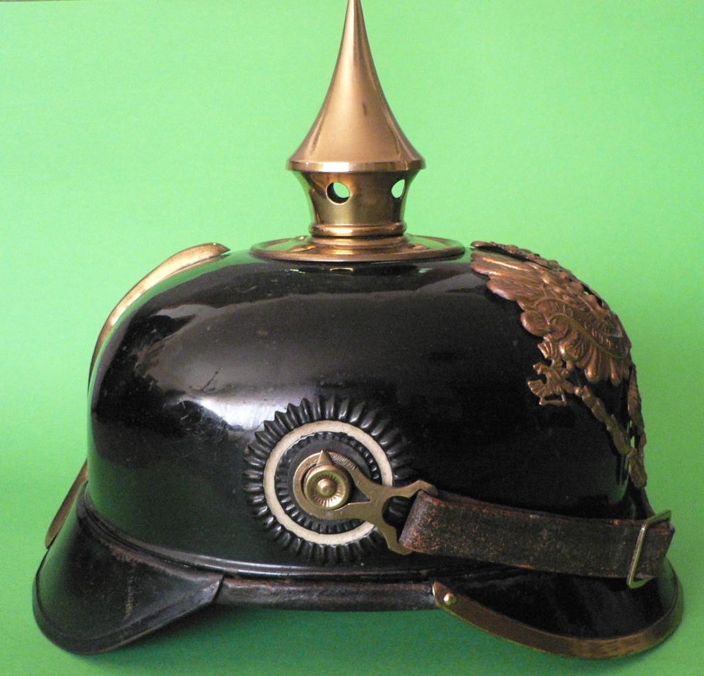 Bombe de casque a pointe ersatz noir P1240613