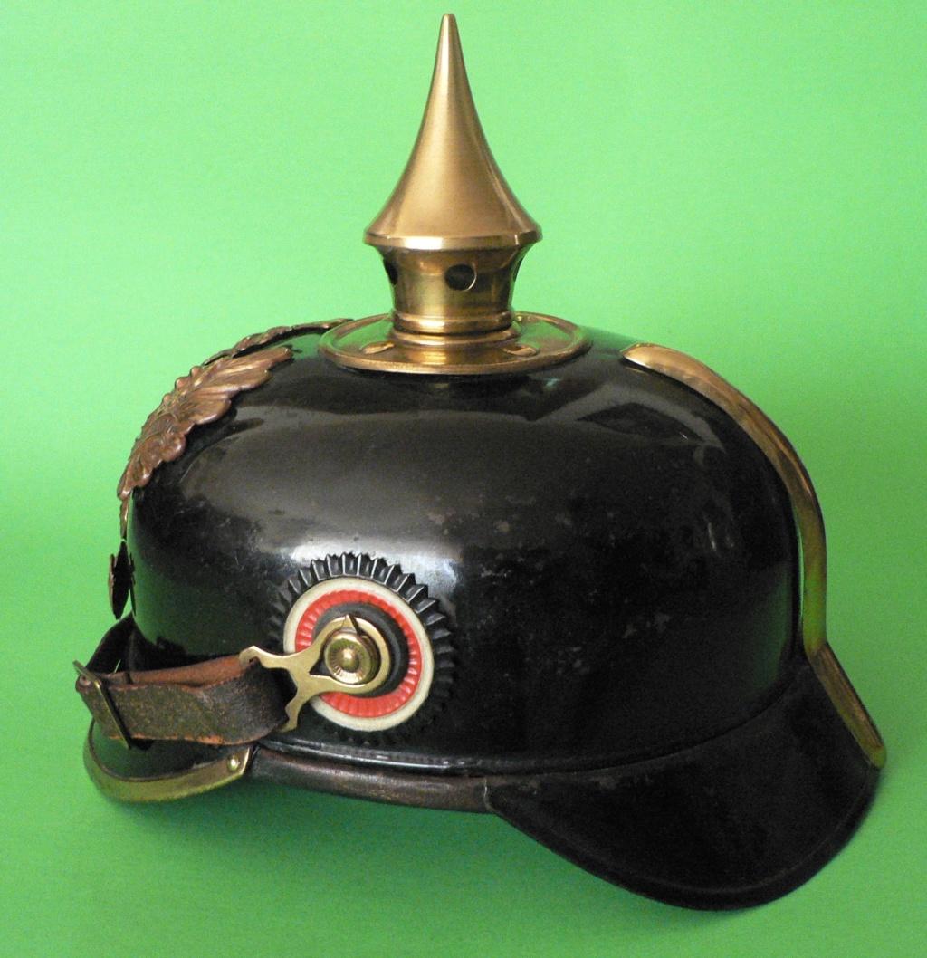 Bombe de casque a pointe ersatz noir P1240614