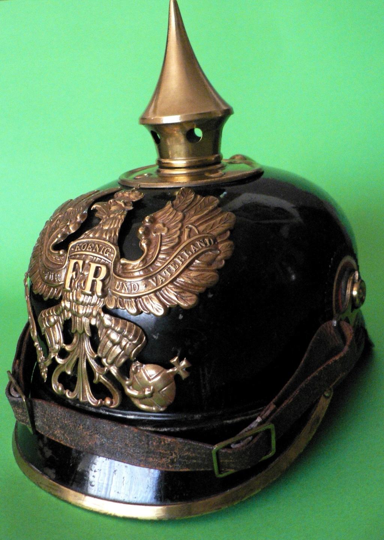 Bombe de casque a pointe ersatz noir P1240615