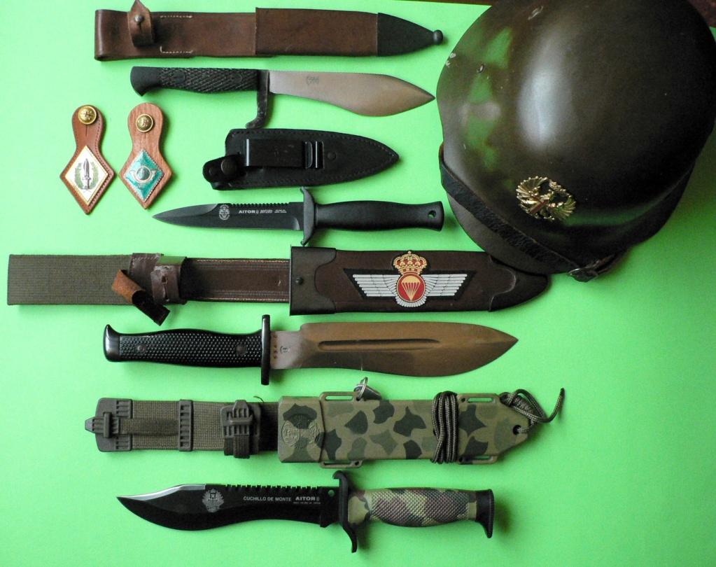 4 couteaux militaires espagnols P1250019