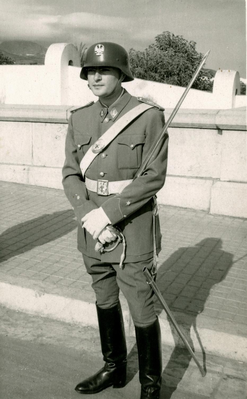 Un casque espagnol ? Soldat11