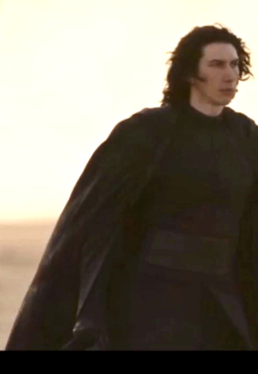 The Rise of Skywalker Trailers and Teasers - Page 17 2c3cd310