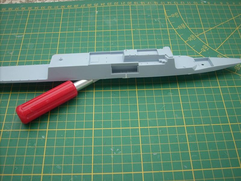 Frégate légère furtive Type La FAYETTE (et kit ARSENAL Réf KC 400 02)  Réf 81035 Dscn6220