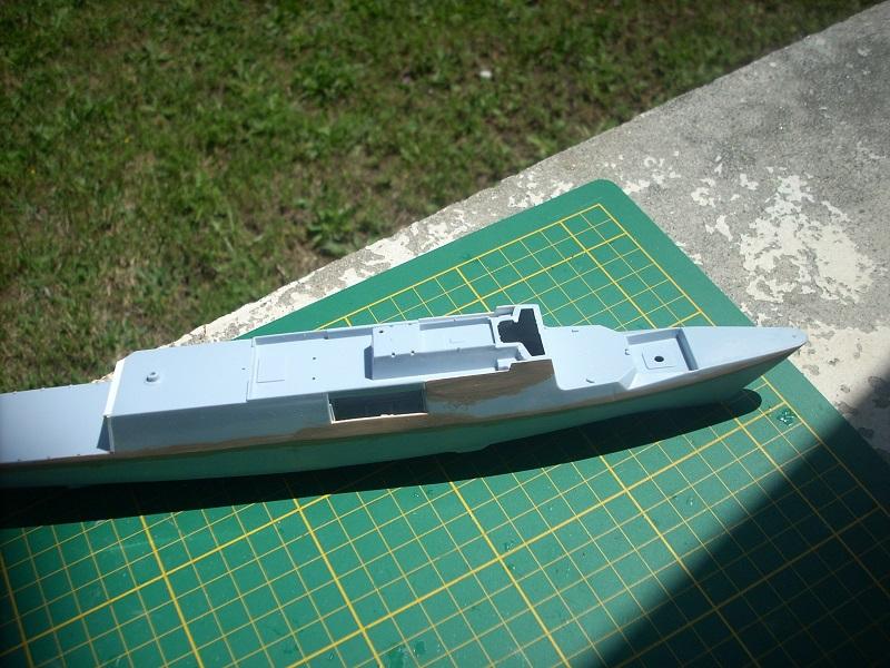 Frégate légère furtive Type La FAYETTE (et kit ARSENAL Réf KC 400 02)  Réf 81035 Dscn6232