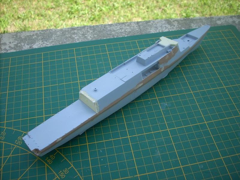 Frégate légère furtive Type La FAYETTE (et kit ARSENAL Réf KC 400 02)  Réf 81035 Dscn6233